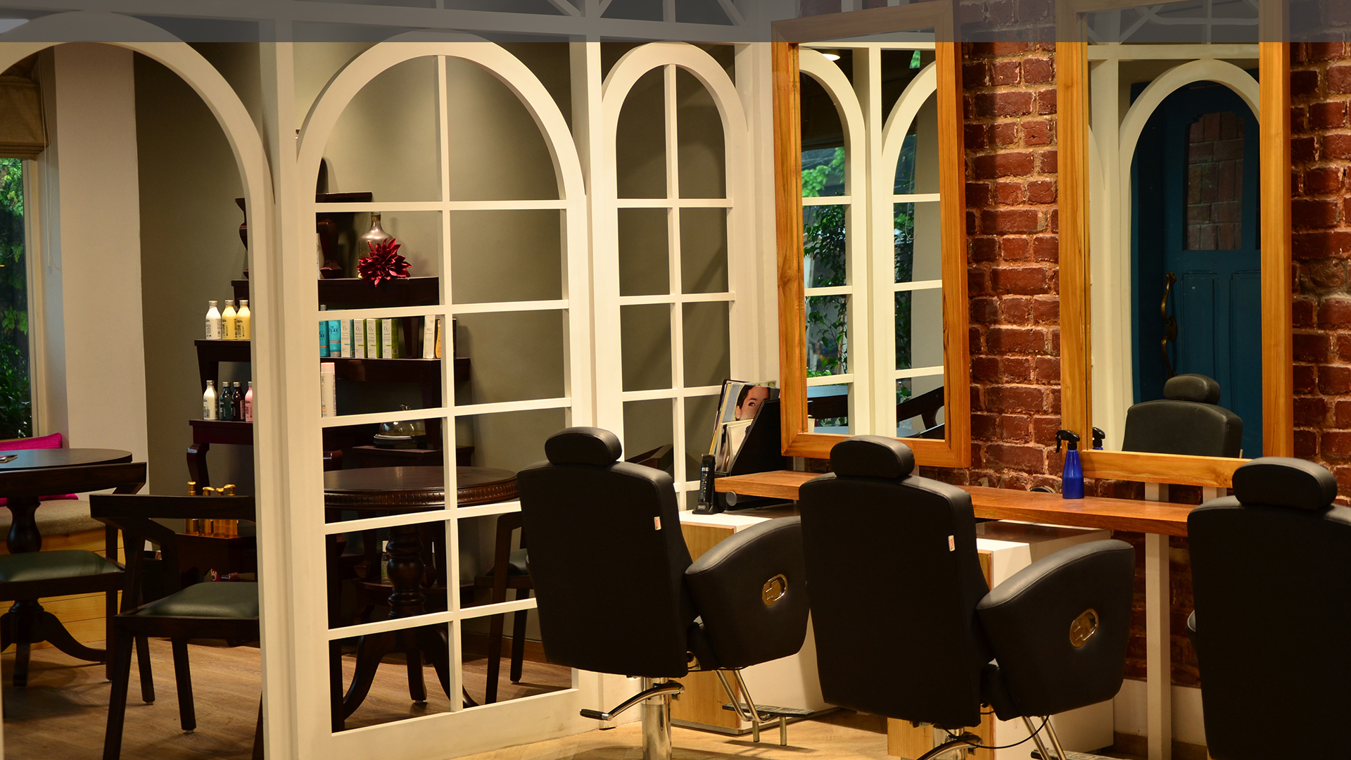 Aalenes-Cafe-salon-Gurgaon-3