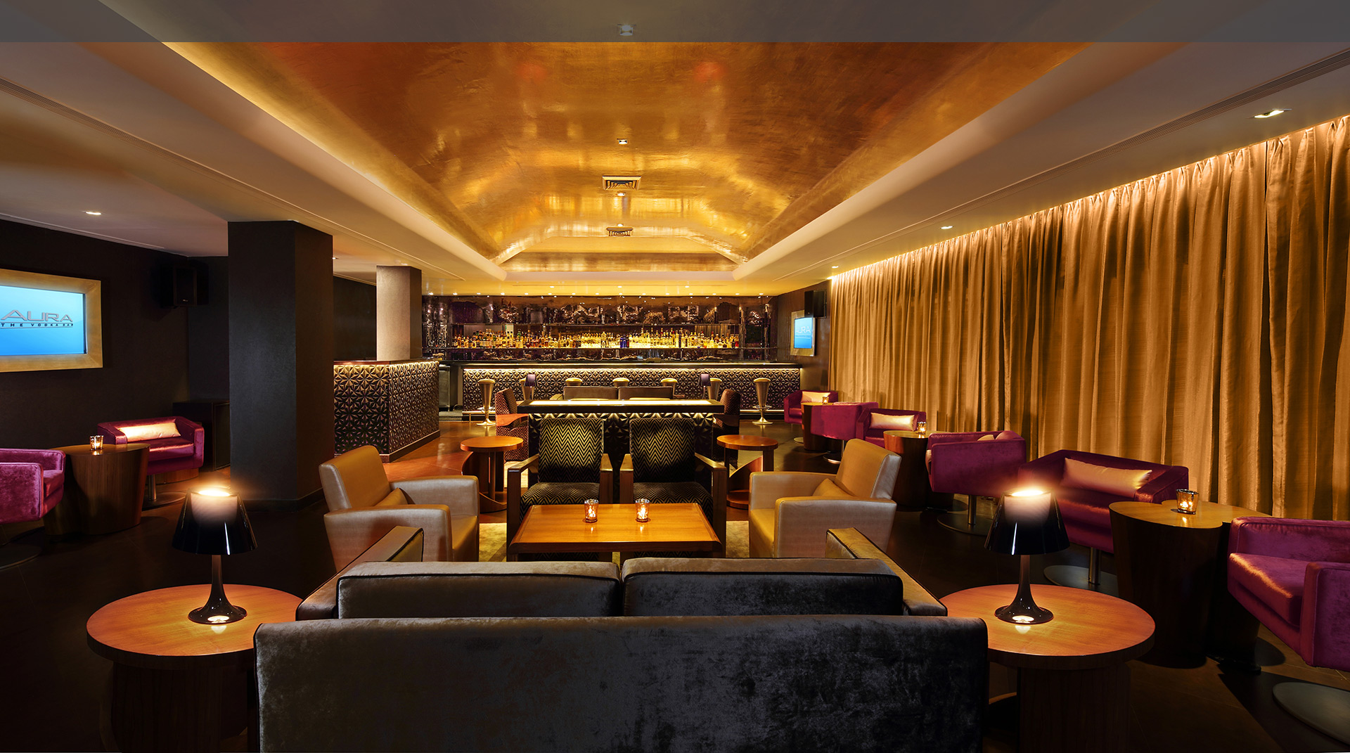Aura-Lounge-Claridges-New-Delhi